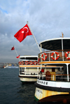 Istanbul, Turkey: boat' stern with Turkish flag - Pasabahçe at the Municipal Ferry Port - Eminönü District - photo by M.Torres