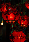 Istanbul, Turkey: red lamps - Spice Bazaar aka Egyptian Bazaar - Emin�n� District - photo by M.Torres