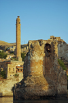 Hasankeyf / Heskif, Batman Province, Southeastern Anatolia, Turkey: ruins of the Artukid bridge, the citadel and El Rizk mosque - Kurdish heartland of south-east Anatolia - photo by W.Allgöwer