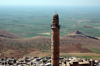 Mardin / Mêrdin - Mardin province, Southeastern Anatolia, Kurdistan, Turkey: the mosque and the landscape - minaret - photo by C. le Mire