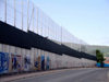 Ulster - Northern Ireland - Belfast: peace line wall (photo by R.Wallace)