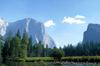 Yosemite National Park (California): lake and the Sierra Nevada - Unesco world heritage site - Photo by R.Eime