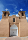 Ranchos de Taos, Taos County, New Mexico, USA: San Francisco de Asis Church - towers with large tamped-earth buttresses - Spanish Mission architecture - photo by M.Torres