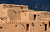 Pueblo de Taos, New Mexico, USA: homes are stepped back so that the roofs of the lower dwellings form terraces for those above - North Pueblo - photo by M.Torres