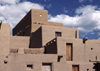 Pueblo de Taos, New Mexico, USA: traditional type of adobe architectural ensemble from the pre-Hispanic period - photo by C.Lovell