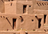 Pueblo de Taos, New Mexico, USA: the adobe walls that are often several feet thick - North Pueblo - photo by M.Torres