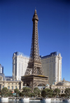 Las Vegas (Nevada): Hotel Paris - mock Eiffel tower - photo by J.Kaman