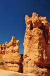 Bryce Canyon National Park, Utah, USA: Sunset Point - monolith on the Navajo Loop Trail - photo by M.Torres
