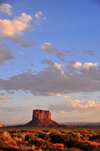 Monument Valley / Tsé Bii' Ndzisgaii, Utah, USA: - Navajo Nation Reservation - San Juan County - photo by M.Torres