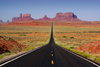 Monument Valley / Tsé Bii' Ndzisgaii, Utah, USA: Monument Pass - looking south on U.S. Route 163 - classic road picture - Navajo Nation Reservation - photo by A.Ferrari