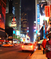 Manhattan (New York): Broadway by night - citylights - photo by Llonaid