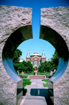 Washington D.C., USA: Smithsonian Institution - framed by modern sculpture - photo by G.Friedman