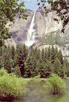 Yosemite National Park (California): waterfall - photo by M.Bergsma