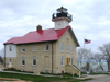 Port Washington (Wisconsin): lighthouse on Lake Michigan - photo by G.Frysinger