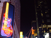 Manhattan (New York City): Hard Rock Cafe - Times Square - guitarr neon - photo by M.Bergsma