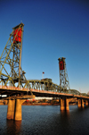 Portland, Oregon, USA: Hawthorne Bridge - completed in 1910, it is the oldest vertical-lift bridge in operation in the US - designed by John Waddell, inventor of the vertical-lift bridge - photo by M.Torres