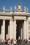 Vatican City, Rome - Saint Peter's square - portico on the colonnade - photo by I.Middleton