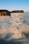 17 Venezuela - Bolivar - Canaima NP - A sea of clouds and Kukenan, in the morning light - photo by A. Ferrari