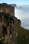 35 Venezuela - Bolivar - Canaima NP - Cliffs and clouds, at the southern edge of Roraima - photo by A. Ferrari