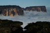 45 Venezuela - Bolivar - Canaima NP - Kukenan and a sea of clouds, in the morning light - photo by A. Ferrari