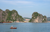 Halong Bay - Vietnam: rowing - photo by Tran Thai
