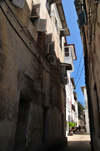 Stone Town, Zanzibar, Tanzania: dark alley - Shangani - photo by M.Torres